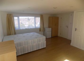 1 bed property to rent in Chartley Avenue, London NW2