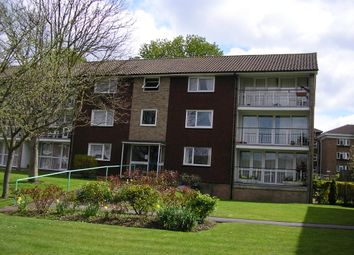 Thumbnail 3 bedroom flat to rent in Basinghall Gardens, Sutton