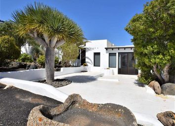 Thumbnail 4 bed finca for sale in Conil, Lanzarote, Spain