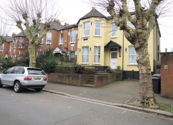 3 bed flat to rent in Methuen Park, London N10