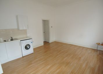 Thumbnail 1 bed flat to rent in Ladywell Road, London