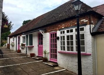 Thumbnail Retail premises to let in Thatchers Yard, Church Street, Kintbury, Berkshire
