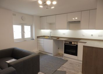 Thumbnail 5 bed flat to rent in Elm Grove, Brighton, East Sussex