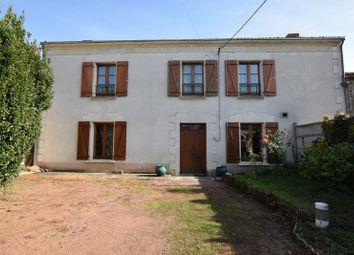 Thumbnail 4 bed property for sale in Poitou-Charentes, Deux-Sèvres, Brion Pres Thouet