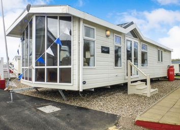 Thumbnail 2 bed mobile/park home for sale in Beach Road, Kessingland, Lowestoft
