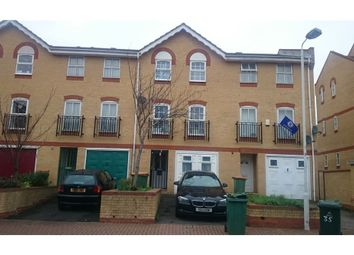 Thumbnail Room to rent in Angelica Drive, Newham, London