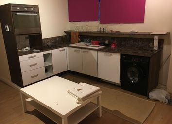 Thumbnail 1 bed flat to rent in Lion Way, Brentford