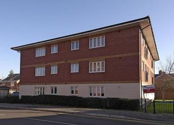 Thumbnail 1 bed flat to rent in Newbury, Berkshire