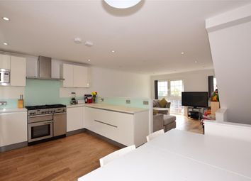 Thumbnail 3 bedroom town house for sale in Spring Grove, Gravesend, Kent