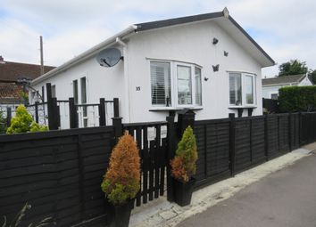 Heywood Gardens, Maidenhead SL6. 3 bed mobile/park home