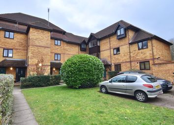 Thumbnail 2 bed flat for sale in Linwood Close, London