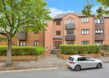 Thumbnail 1 bedroom flat to rent in Chatsworth Court, St Albans, Herts
