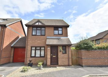 3 bed detached house for sale in Hardy Close, Horley, Surrey RH6