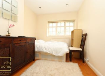 Thumbnail Room to rent in Neale Close, East Finchley