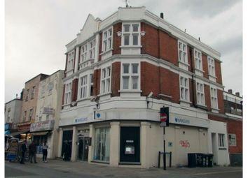 Deptford High Street, London SE8. 3 bed flat for sale