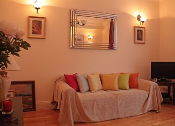 Thumbnail 1 bed flat for sale in Tachbrook Street, London
