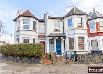 Thumbnail 2 bed flat to rent in North View Road, Hornsey