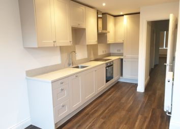 3 bed flat to rent in Berkeley Gardens, London N21