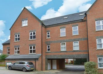 Thumbnail 1 bed flat for sale in 125 Heath Hill Road South, Crowthorne, Berkshire