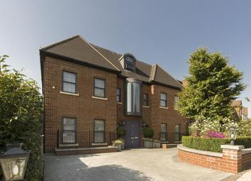 Thumbnail 8 bed detached house for sale in Oakfields Road, Temple Fortune, London