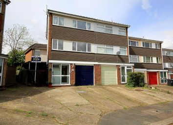 Thumbnail 4 bed detached house for sale in Standring Rise, Hemel Hempstead
