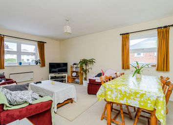 Thumbnail 2 bed flat to rent in Ridgeborough Court, Castle Hill, Reading