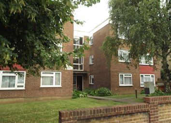 Thumbnail 1 bed flat to rent in 54 Alexandra Grove, Finchley