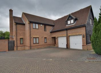 Thumbnail 5 bedroom detached house for sale in Littlebury Close, Stotfold, Hitchin, Bedfordshire