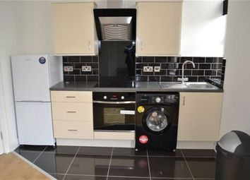 Thumbnail 2 bedroom flat to rent in St James Road, Stoneygate, Leicester