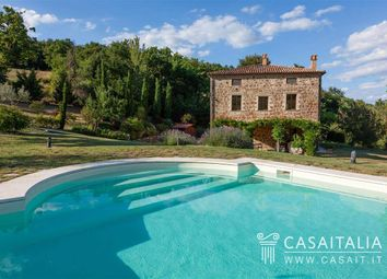 Thumbnail 4 bed villa for sale in Todi, Umbria, It