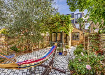 Whitestile Road, Brentford, London TW8. 4 bed terraced house