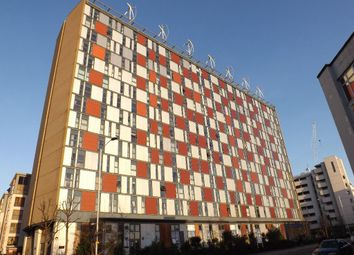 Thumbnail 3 bed flat for sale in City House, Croydon