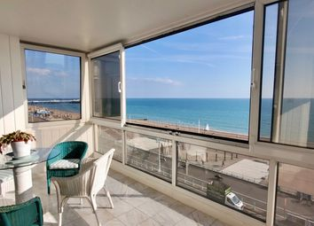 3 bed flat for sale in Kings Road, Brighton BN1