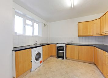 4 bed flat to rent in Cumberland House, Kingston Hill, Kingston Upon Thames, Surrey KT2