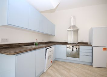 3 bed flat to rent in Ferme Park Road, London N8