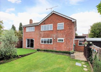Thumbnail 5 bedroom detached house for sale in Lingfield Road, East Grinstead