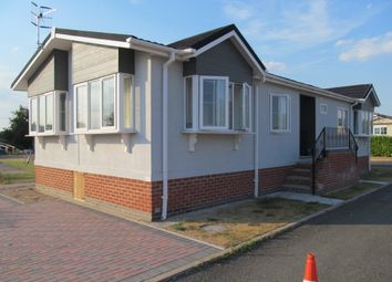 Thumbnail 2 bed mobile/park home for sale in Topiary Park (Ref 5949), Bidford-Upon-Avon, Alcester, Warwickshire