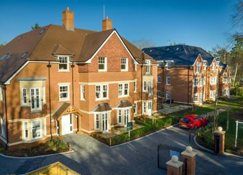 2 bed property for sale in Fleur-De-Lis, Dukes Ride, Crowthorne RG45