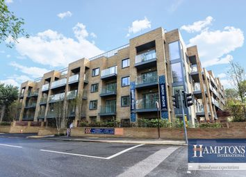 Thumbnail 3 bed flat to rent in Goldstone Crescent, Hove