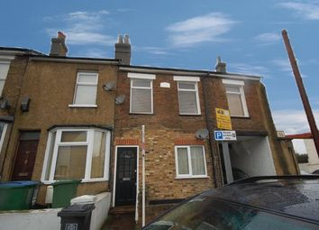 2 bed maisonette to rent in Sutton Road, Watford WD17
