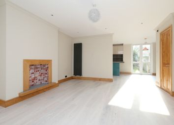 3 bed flat for sale in Northampton Park, London N1