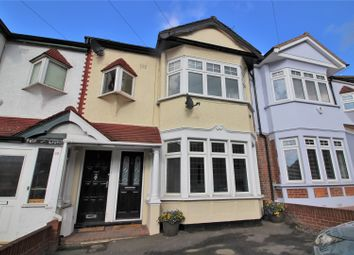 Thumbnail 2 bed flat for sale in Kings Head Hill, Chingford