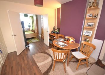 Thumbnail 1 bed flat to rent in Surrey Road, Reading