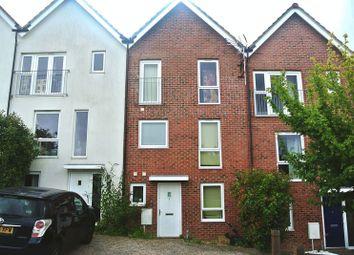 Thumbnail 4 bed town house to rent in Risinghurst Mews, Basingstoke