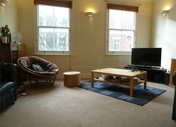 Thumbnail 2 bed flat to rent in Battersea High Street, Battersea