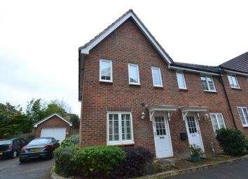 Thumbnail 3 bed property to rent in Oakhill Chase, Crawley