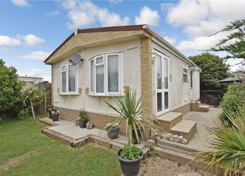 2 bed mobile/park home for sale in Montalan Crescent, Selsey, Chichester, West Sussex PO20