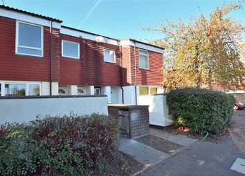 2 bed maisonette to rent in St. Helens Close, Cowley, Uxbridge UB8