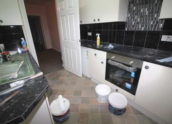 Thumbnail 2 bed flat to rent in Highgrove Street, Reading