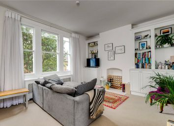 2 bed flat to rent in Galesbury Road, London SW18